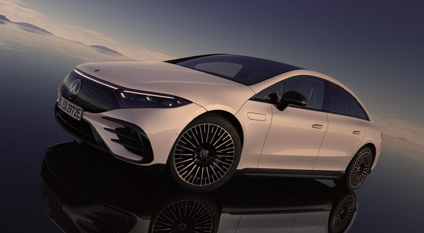Mercedes-Benz plugs into the future with the 2022 EQS